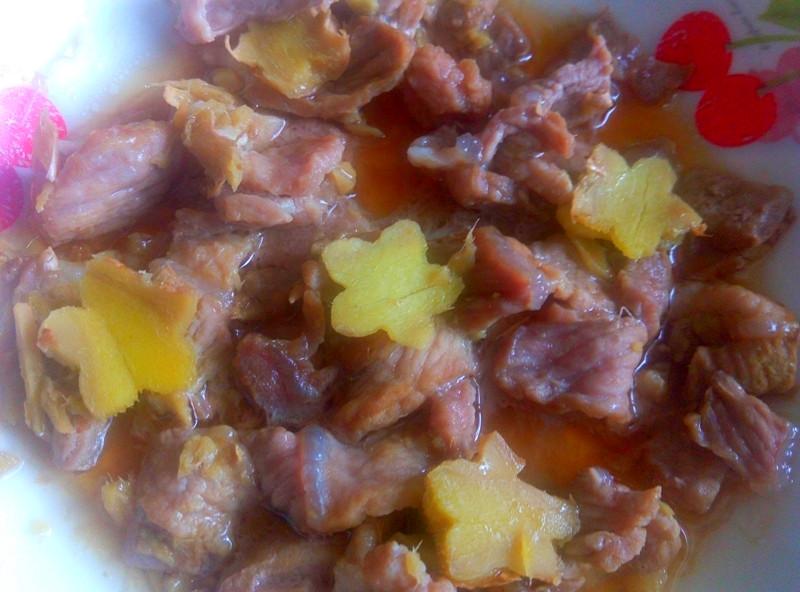 姜花蒸瘦肉