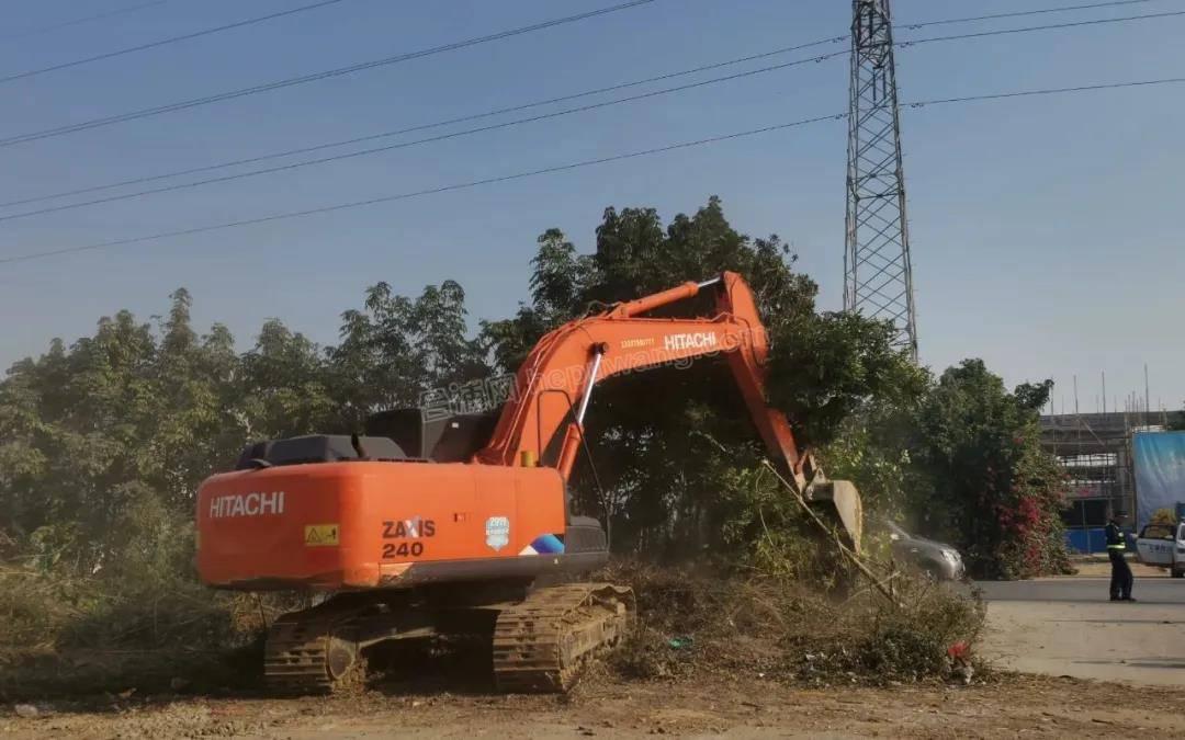 合浦还珠南路至文昌塔二级公路路段已征收土地上的附着物被依法清除!