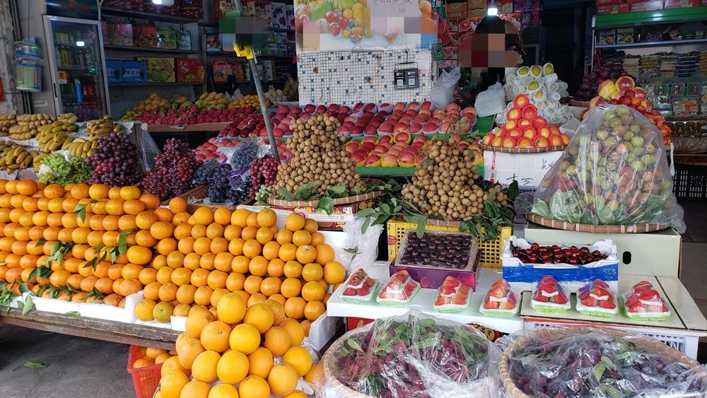 合浦水果市场荔枝陆续上市了,快来了解价格买点尝尝鲜!
