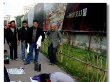 【街头艺术人生】---走马观花圈中行